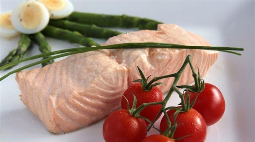 Losos - vajíčko - paradajky - špargľa - vitamín...
