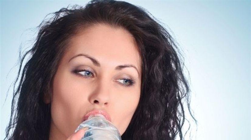 voda, pitie, pitný režim, nápoj, žena, fľaša,...