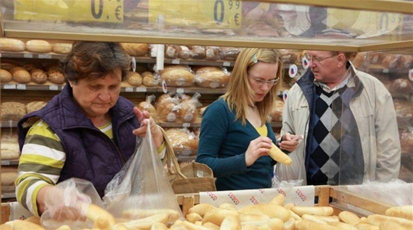 rožky, nákup, potraviny, hypermarket, pečivo