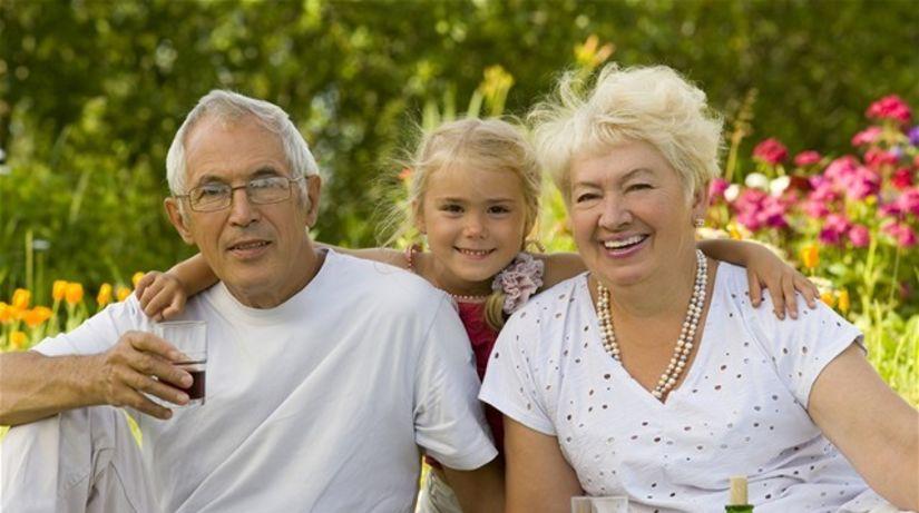 dôchodca, dôchodok, piknik, rodina, vnuk,...