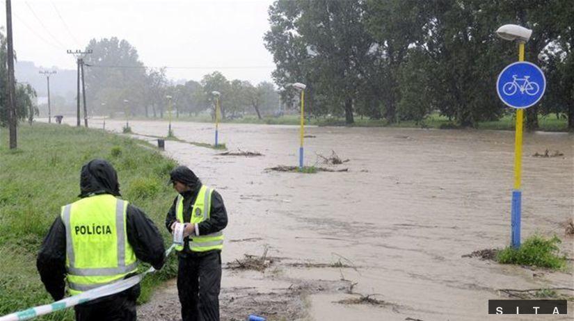 polícia, záplavy, povodne