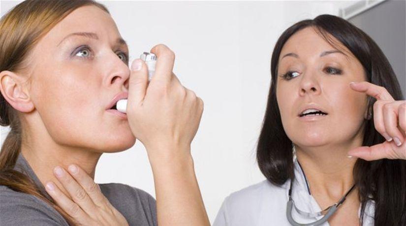 žena, nádcha, astma, kašeľ, prechladnutie, sprej