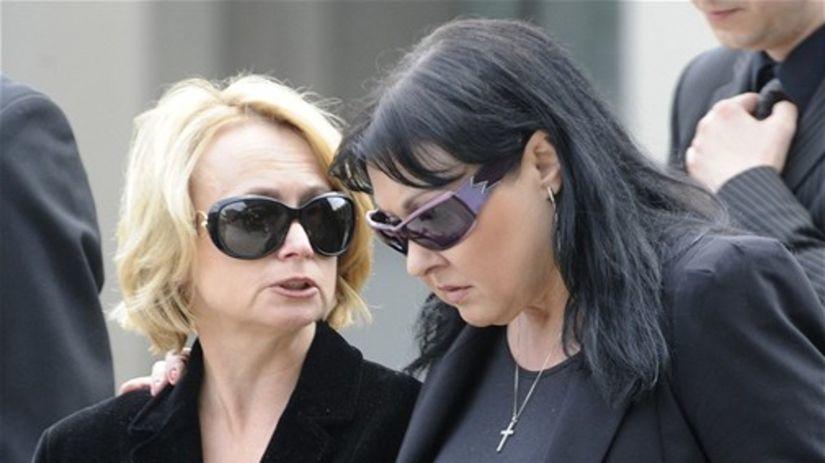 Jana Nagyová a Dagmar Patrasová na pohrebe...
