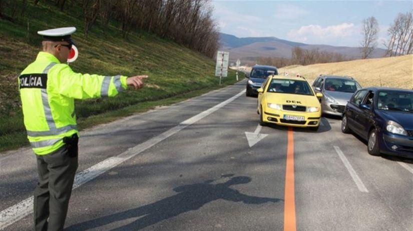autá, policajt, kontrola