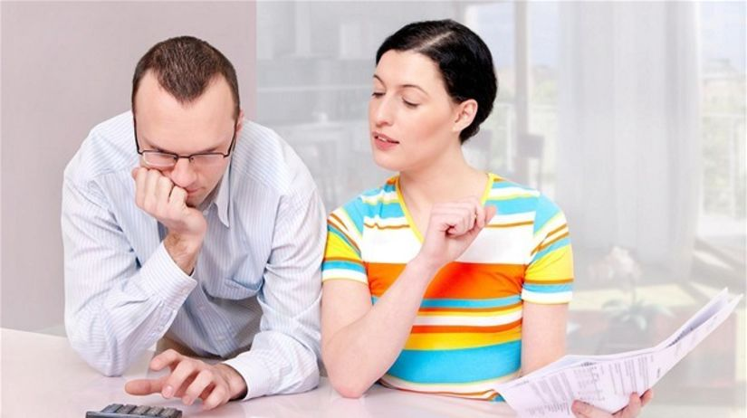 manželia, úver, dane, kalkulačka, rodina