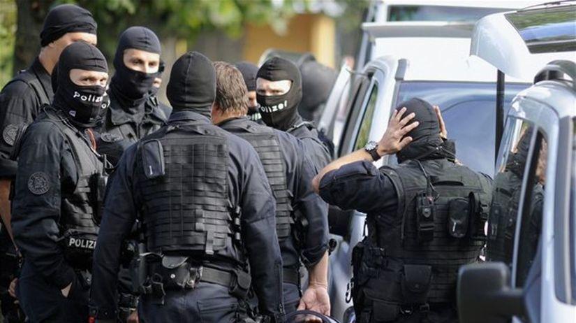 polícia, komando, kukláči, Švajčiarsko, Biel