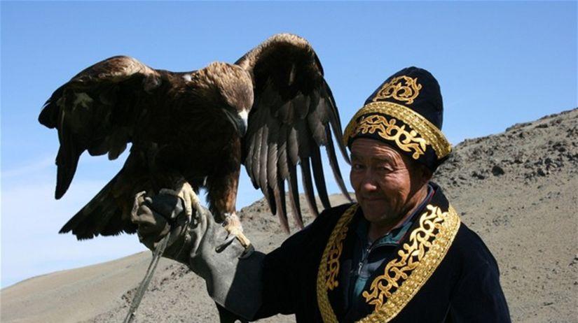 Dravce používajú obyvatelia Mongolska na lov...