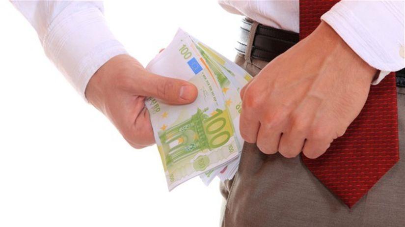 peniaze, bankovky, sporenie, úspory, euro, eurá