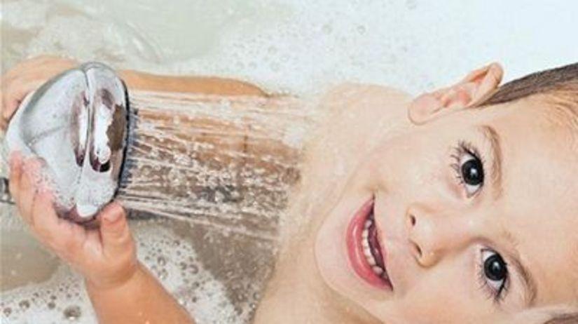 Voda, sprcha, dieťa