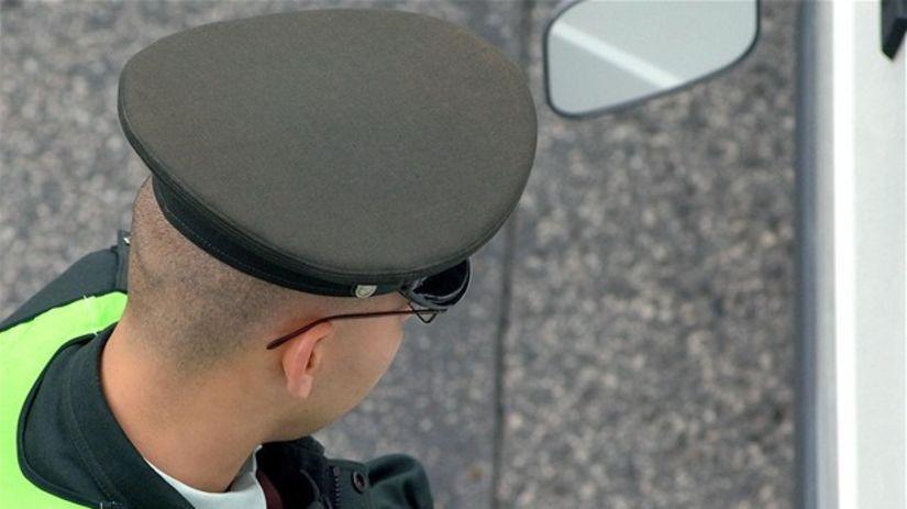 vodičské preukazy, vodičák, policajt, kontrola