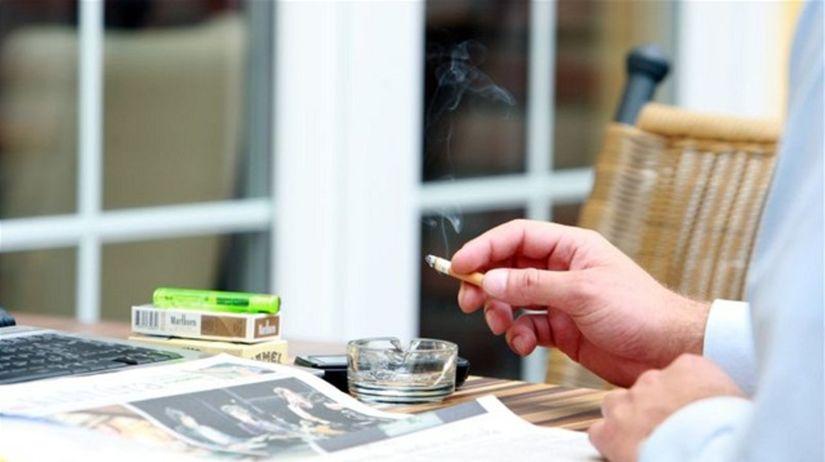fajčenie, cigareta, fajčiar, noviny