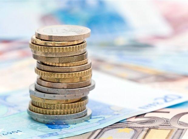 peniaze, mince, bankovky, banka, účet, úspory, úver