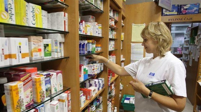 lieky, lekáreň, lekárnička