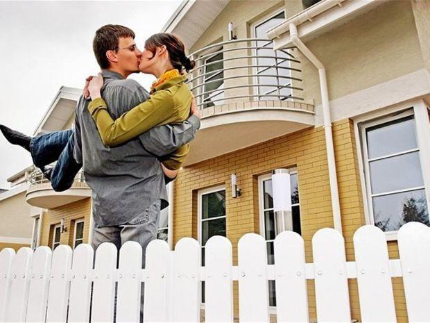 dom, hypotéka, manželia, novomanželia, stavebné, sporenie, nájom