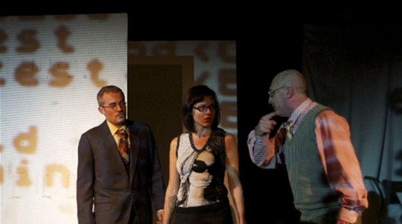 Záber z predstavenia Napichovači a lízači.