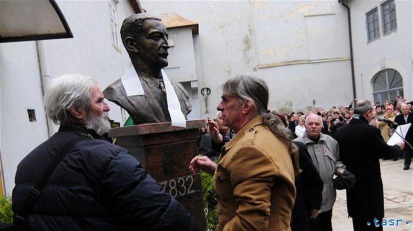 Busta Jánosa Esterházyho, Peter Kalmus