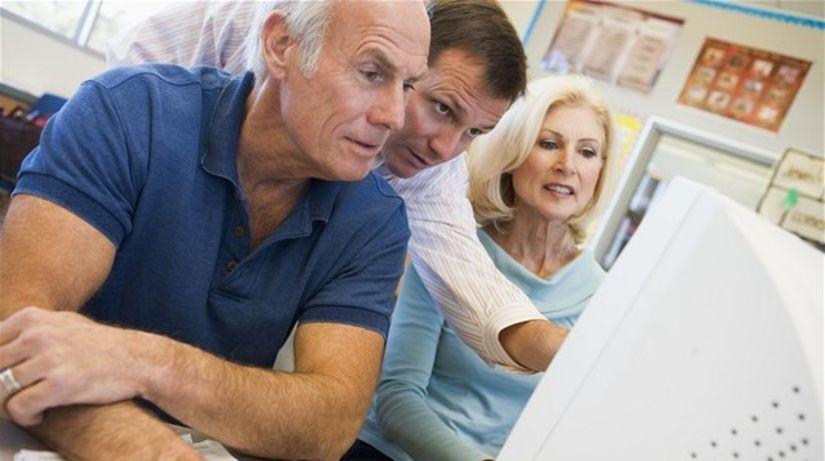 dôchodca, dôchodcovia, penzisti, pracujúci