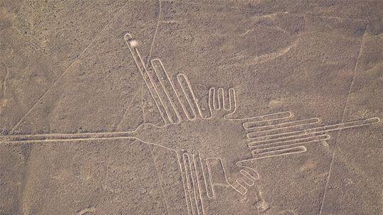Najznámejší geoglyf je kolibrík, dlhý 180 metrov a starý 2000 rokov, Nazca.