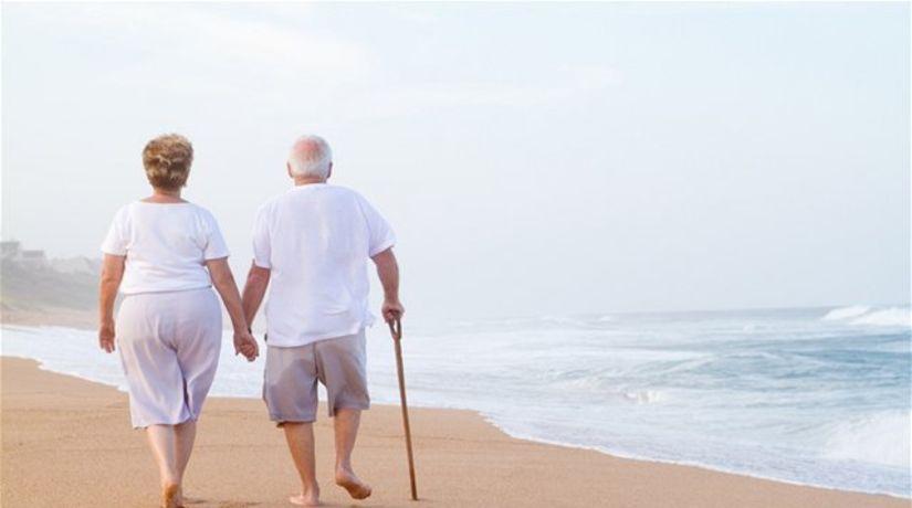 staroba, dôchodok, pár, manželia, starci, pláž....