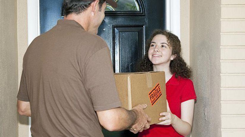 kuriér, balík, pošta, zásielka, doprava,...