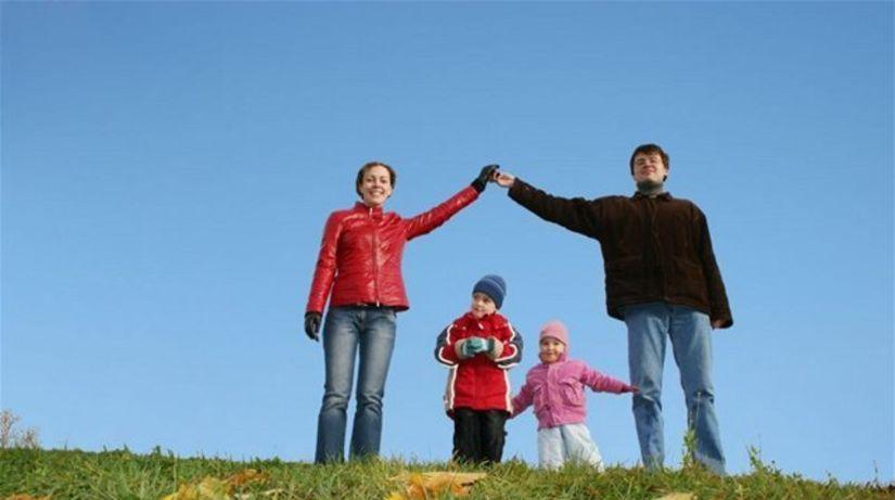 rodina, rodičia, deti, radosť, šťastie, jeseň