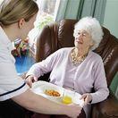 dôchodca, dôchodkyňa, domov, dôchodcov, opatrovateľka