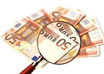 Ekonomika, graf, euro, peniaze, lupa