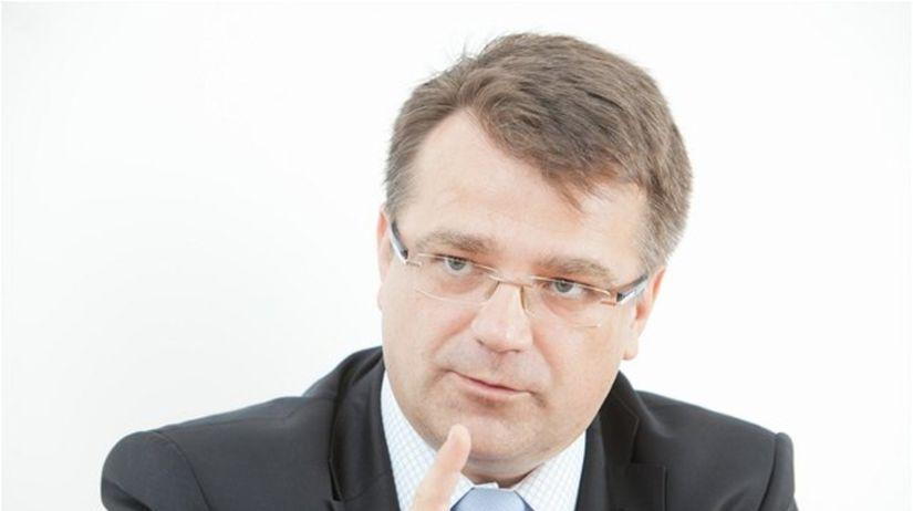 Ivan Uhliarik, minister zdravotníctva