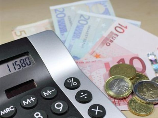 Euro, peniaze, dane, kalkulačka