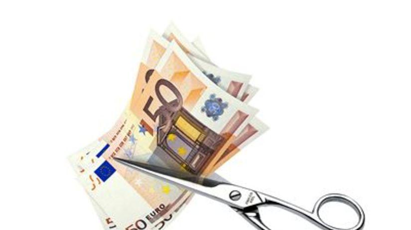 Euro, peniaze, kríza, nožnice