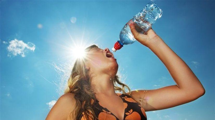 teplo, horúčava, voda, slnko, pitný režim,...