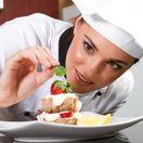 hotel, reštaurácia, kuchárka, jedlo, tanier, jahoda, jedenie, strava, varenie,