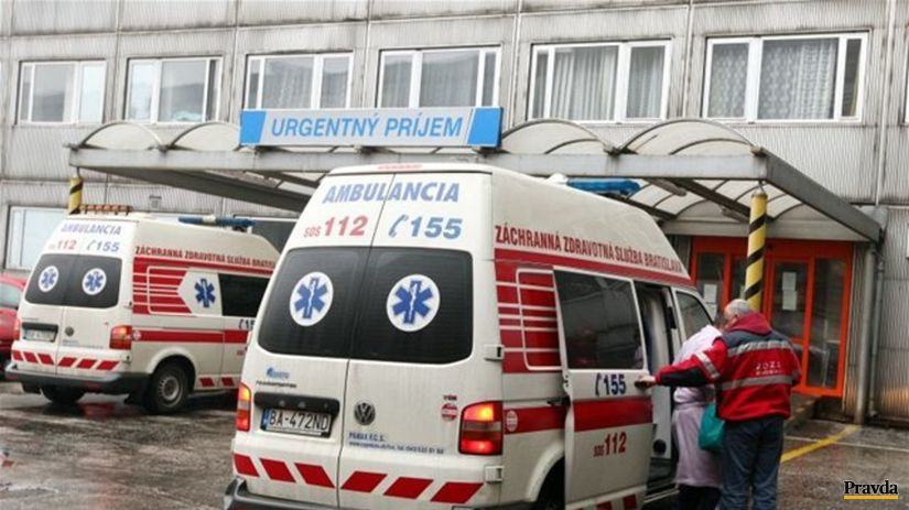 sanitka, nemocnica, urgentný príjem