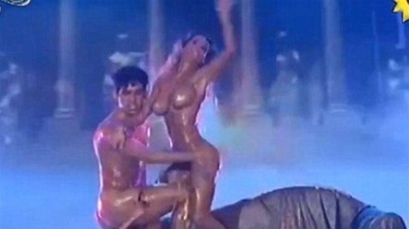 nezhniy-porno-latinoamerikanskie-tantsi-zrelih-perchatkah