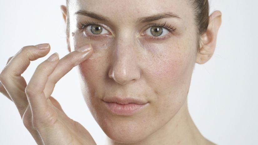 Ako správne aplikovať očný krém?