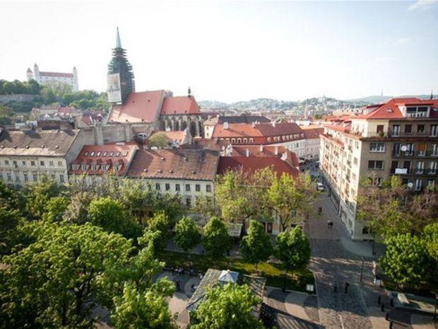 Bratislava, centrum, mesto, dom sv. martina, hrad