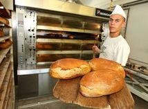 Chlieb, pekár, práca, potraviny