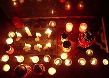 Cintorín, sviečky, kahany, dušičky, všetkých svätých, november