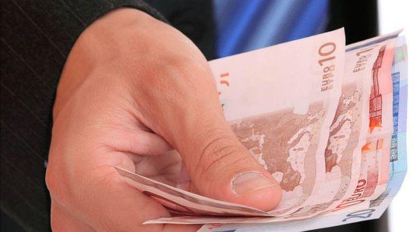 Euro, peniaze, plat, mzda