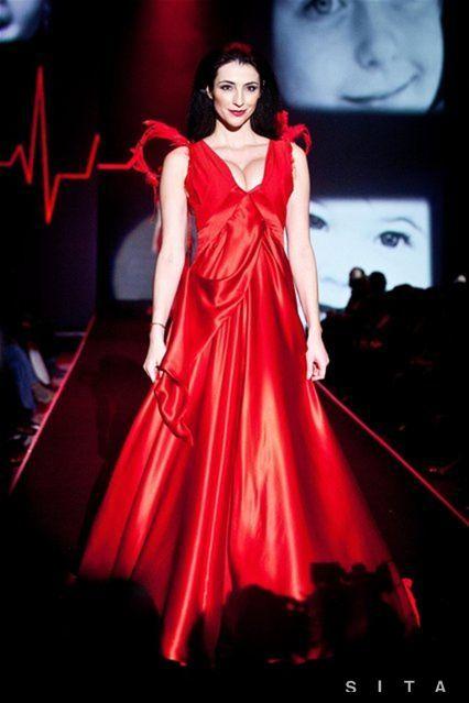 Fashion Expo Standsaur : Zvodná hablovičová krásna pauhofová Žiarili v šatách