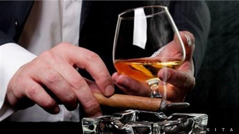 cigara, cigareta, drinh, fajčenie, alkohol,...