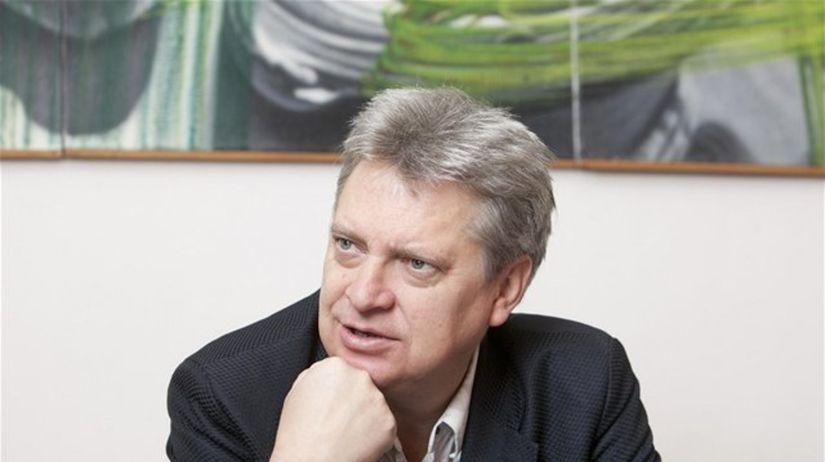 Ivan Jančár je už 14 rokov riaditeľom Galérie...