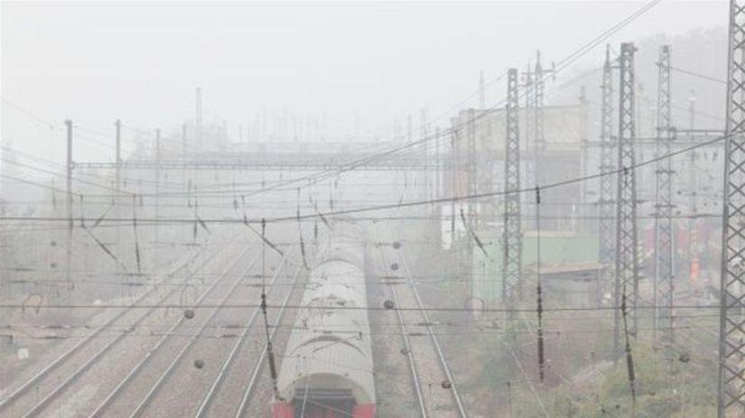 vlak, rýchlik, vlaková stanica, koľajnice