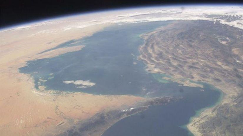 Irán, Hormuzský prieliv