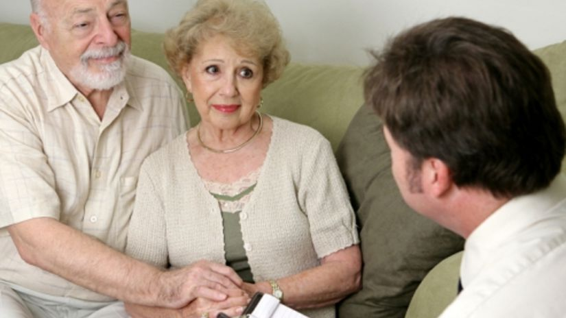 Vystríhajte seniorov, aby sa nestali obeťami...