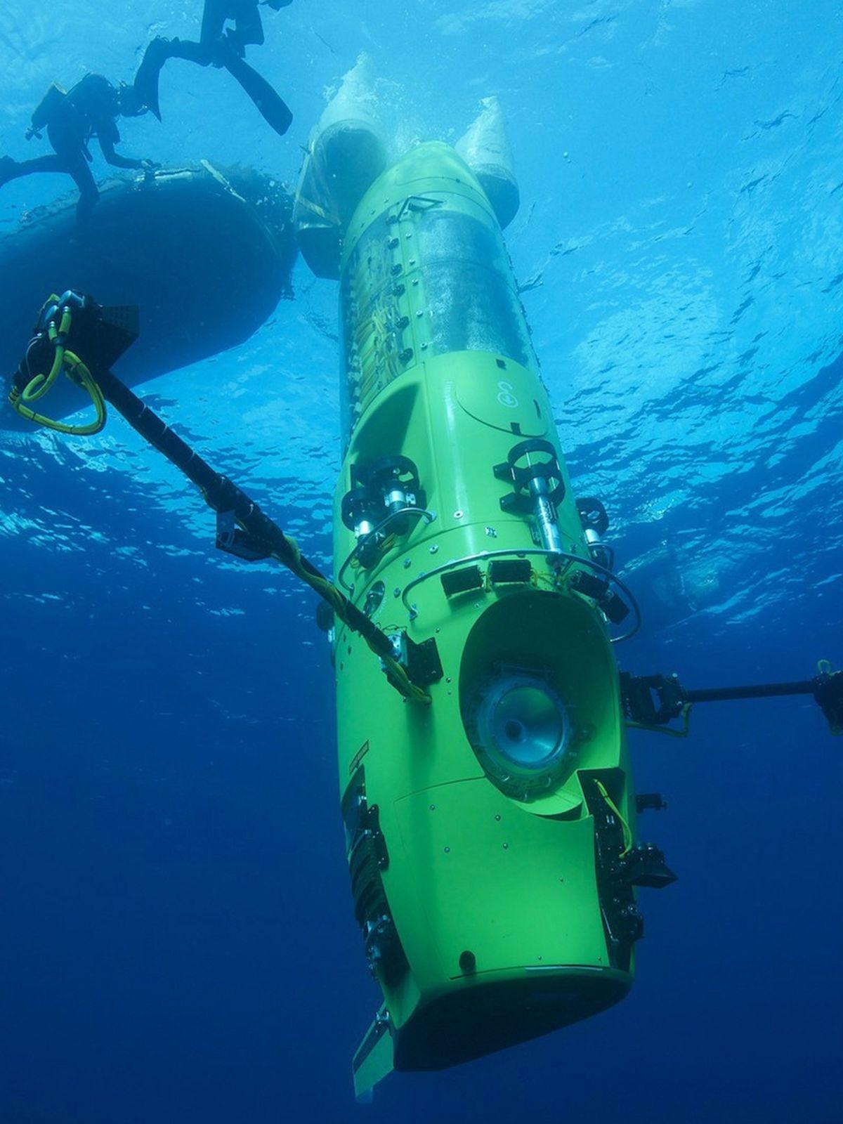 Špeciálna ponorka, v ktorej sa 57-ročný režisér...