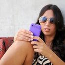 mobil, sms, telefón, smartfón, dovolenka, cestovanie, internet, slnečné okuliare