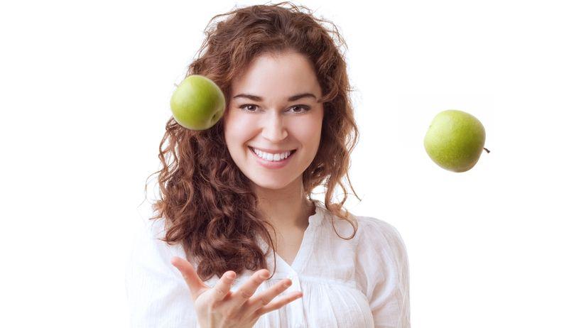 žena, ovocie, zdravá strava, jablko