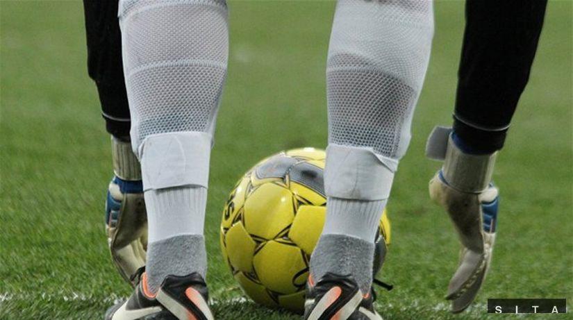 Futbalová lopta, brankár