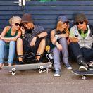 Tínedžerov zaujíma internet a kamaráti, nie knihy